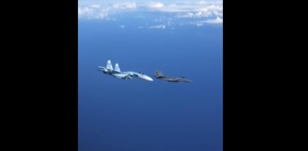 Су-27 и F-15C