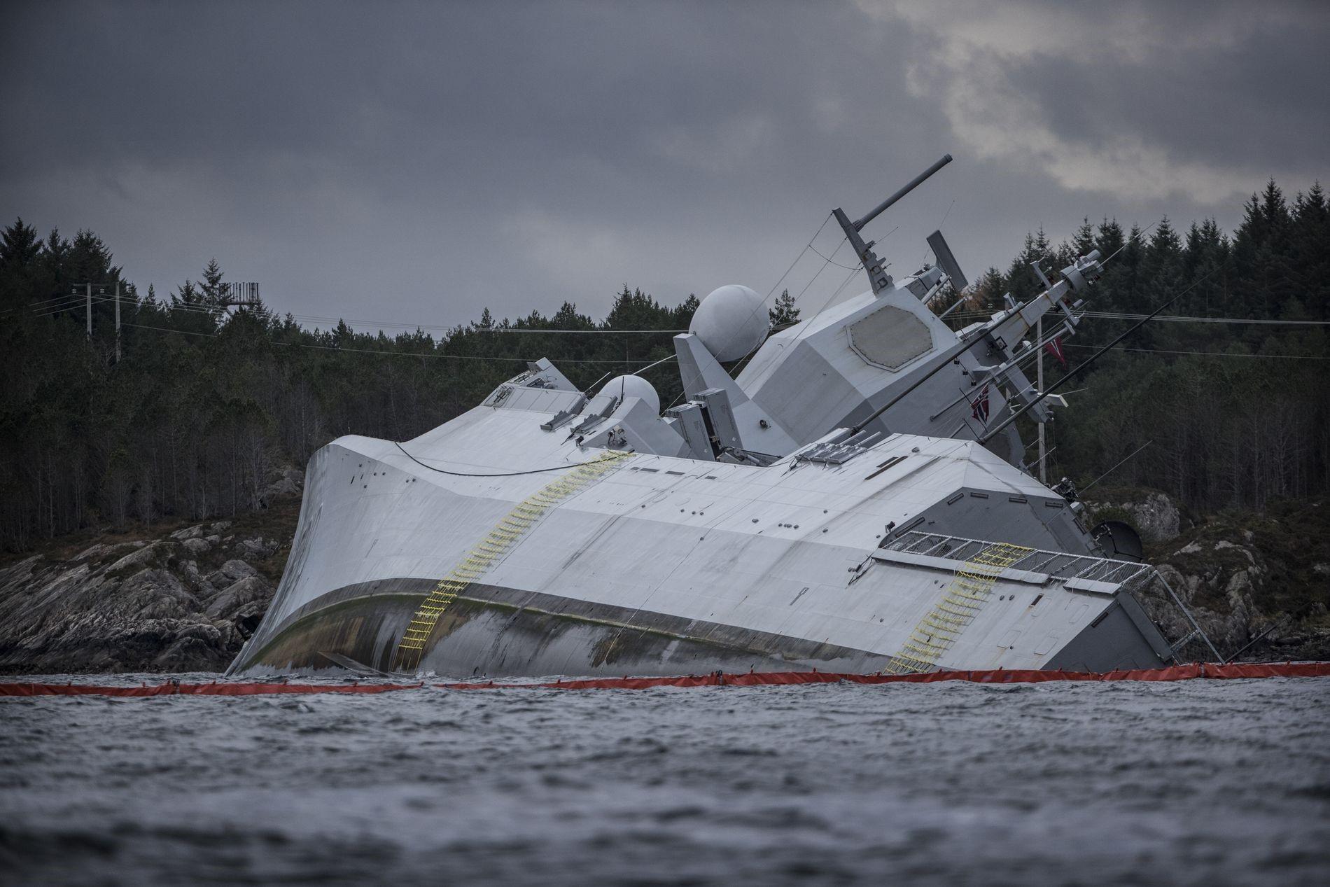 Тонущий Helge Ingstad