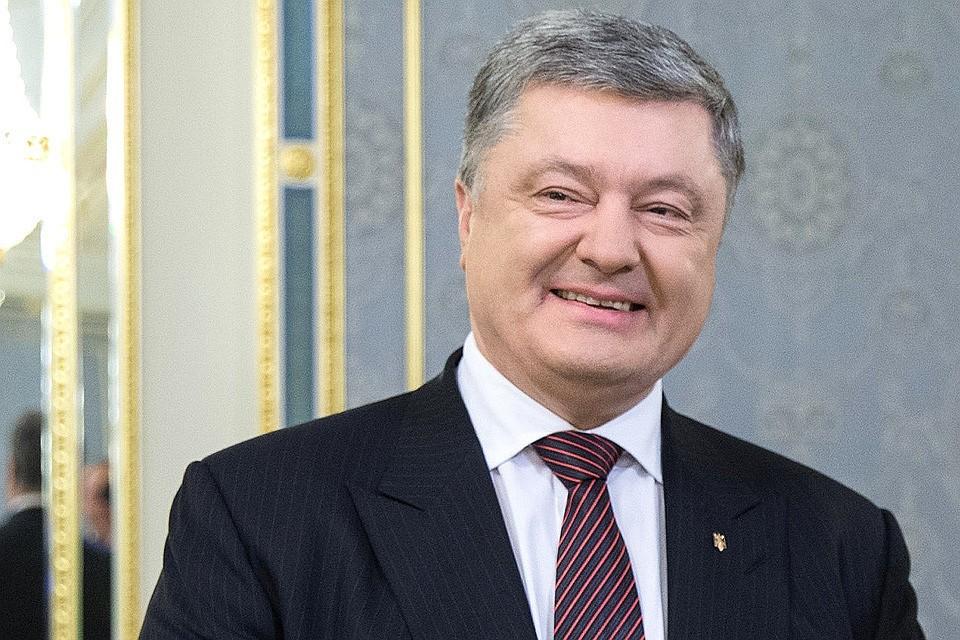 Улыбающийся президент Украины