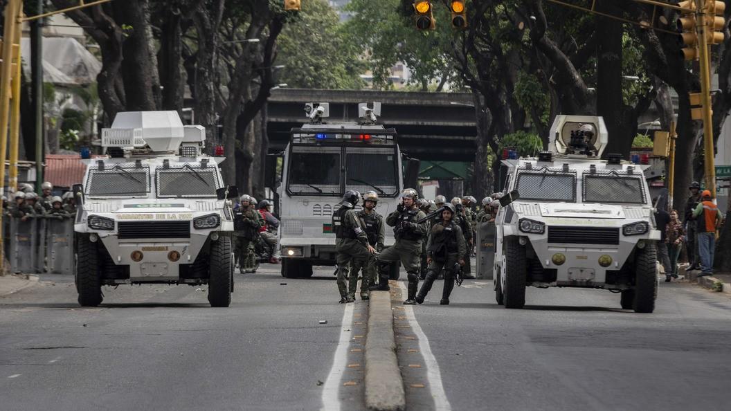 Военные на улицах Каракаса