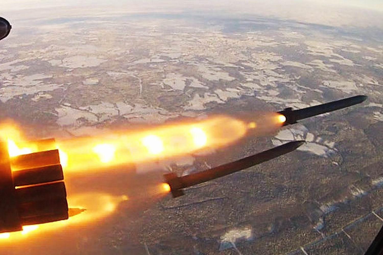 Запуск авиационной ракеты «Бронебойщик»