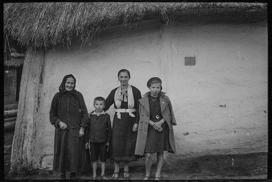 Жители захваченного поселка