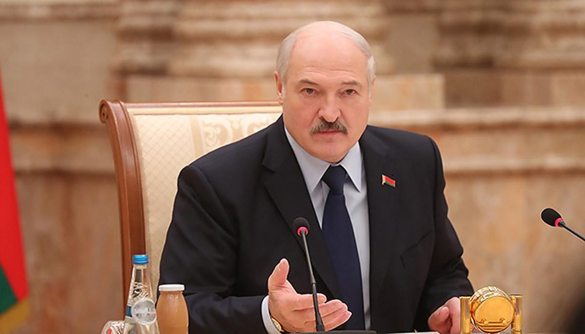 Александр Лукашенко дает пресс-конференцию