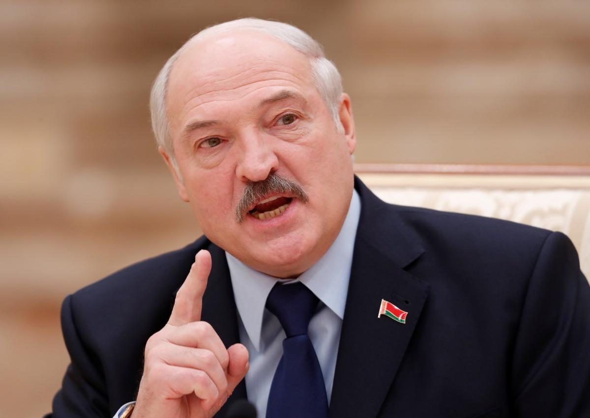 Александр Лукашенко предупреждает