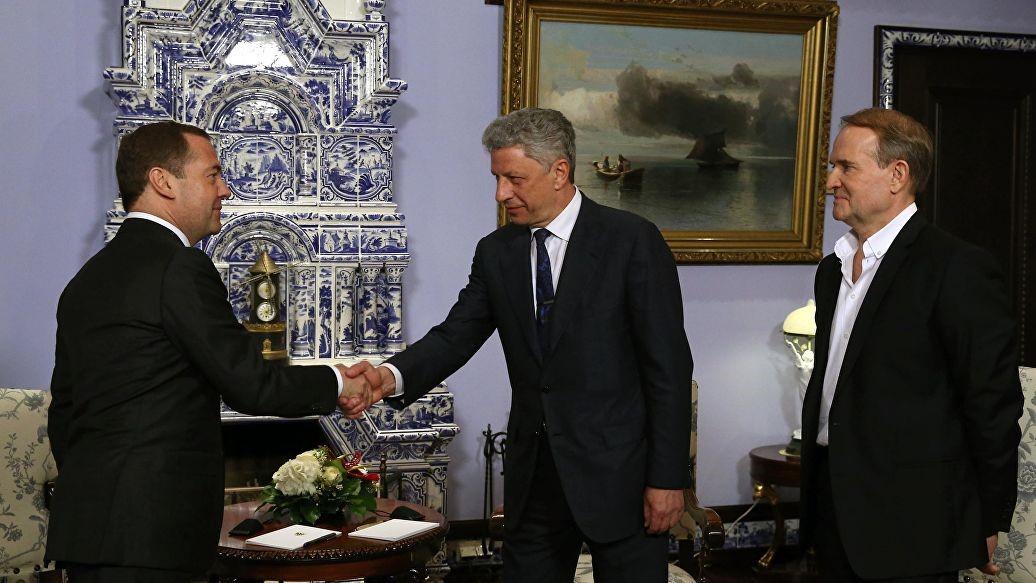 Бойко и Медведчук встречаются с премьером России