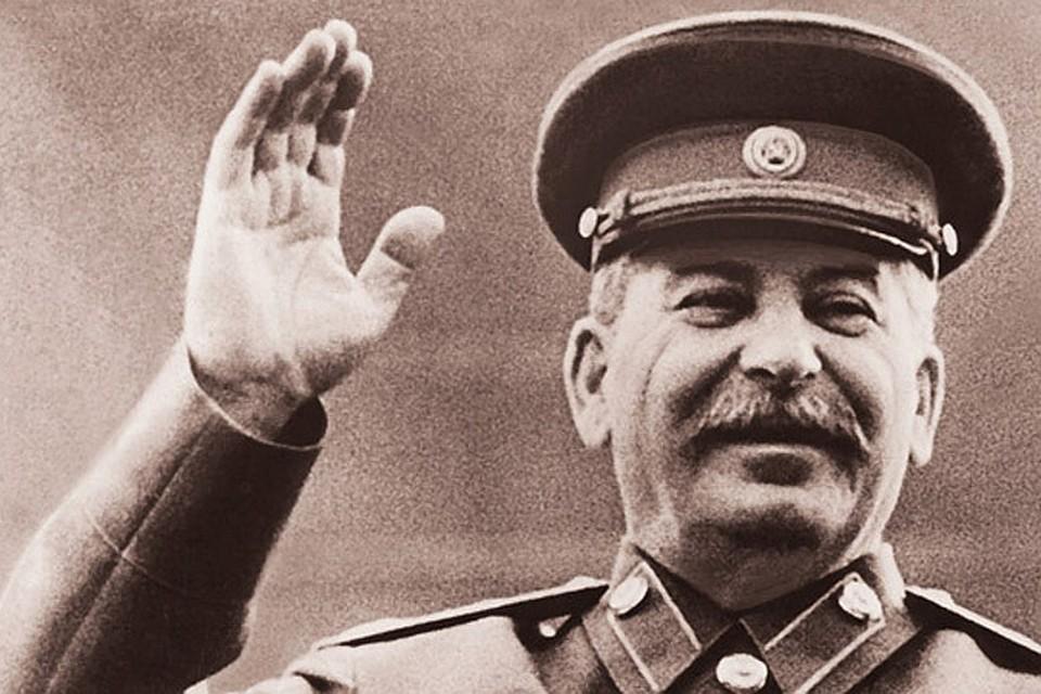 Черно-белое фото Сталина