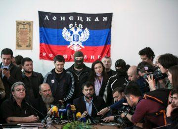 Денис Пушилин дает интервью