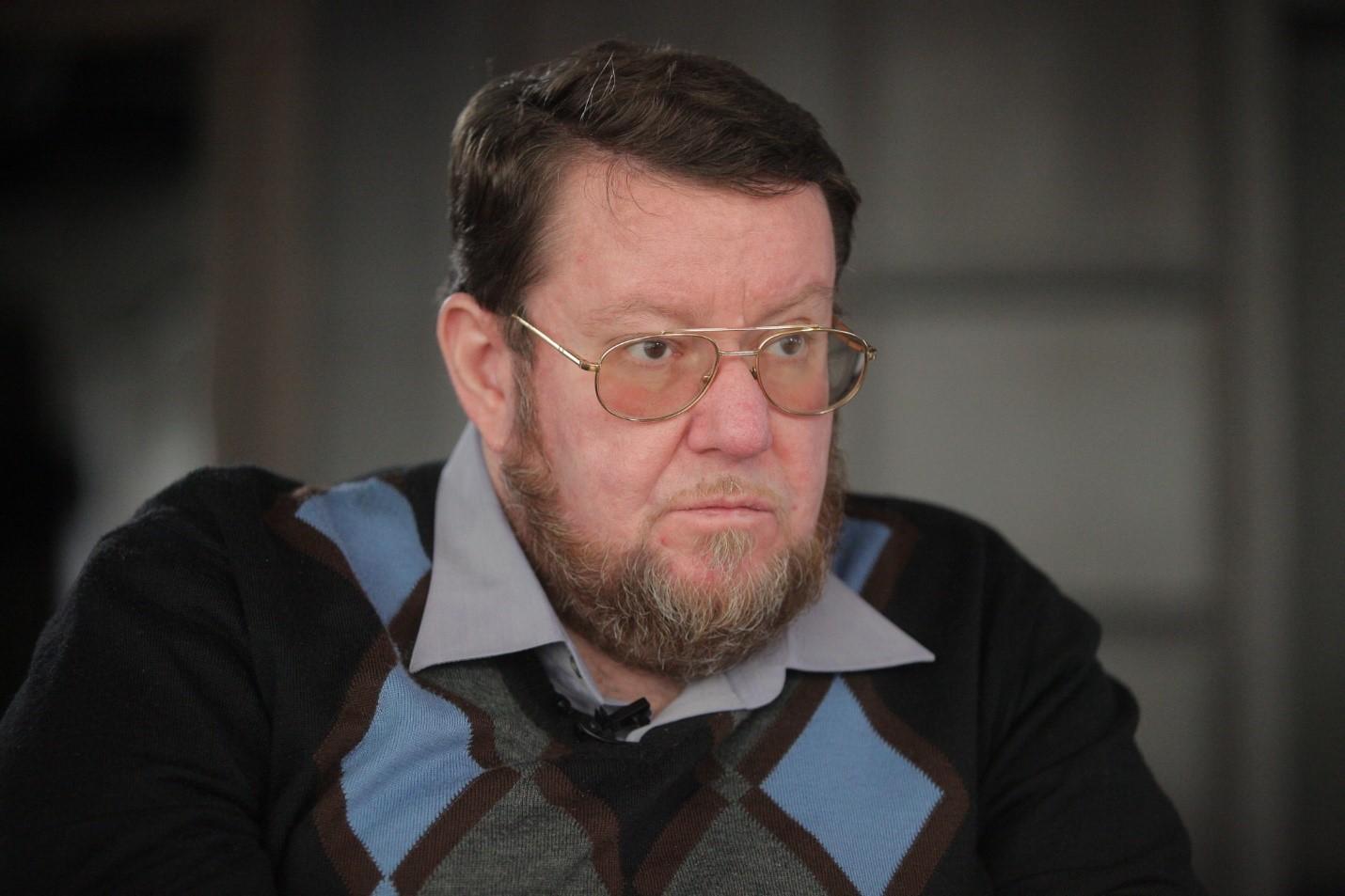 Евгений Сатановский дает интервью