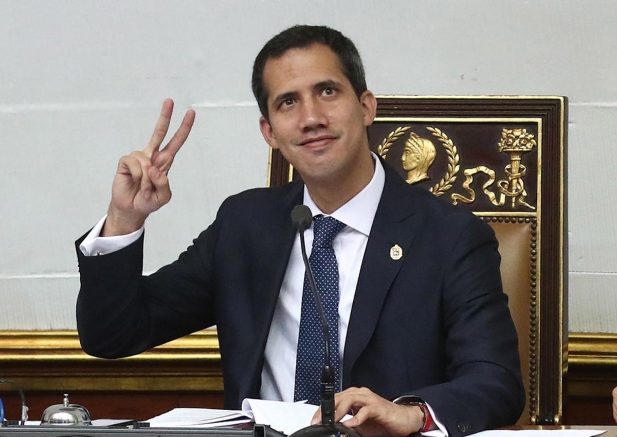 Хуан Гуайдо в кабинете