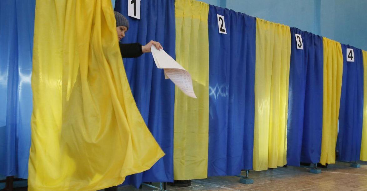 Кабинки для голосования на Украине