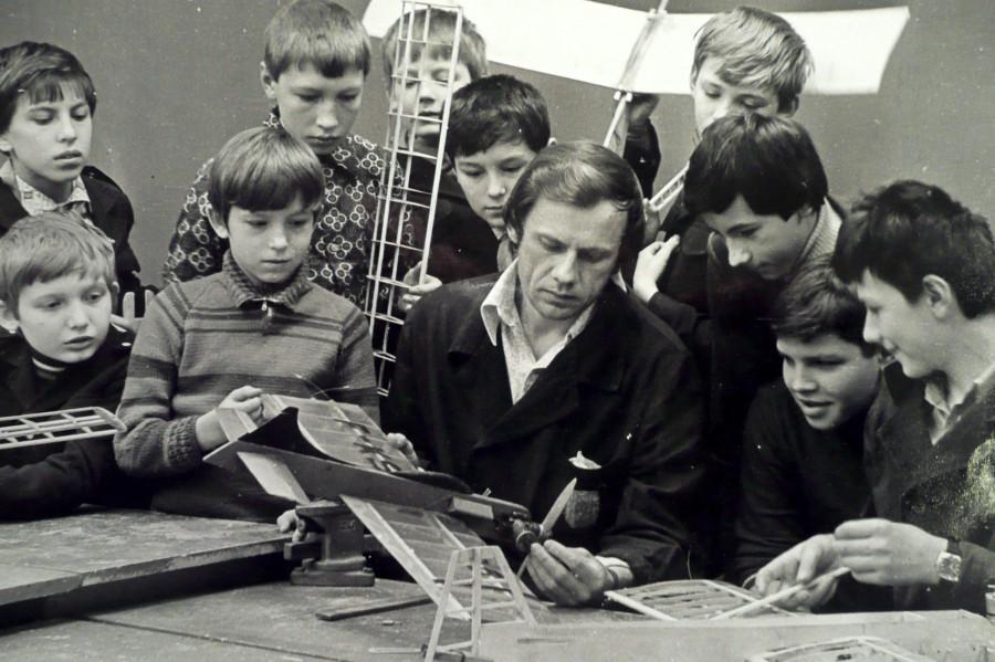 Кружок моделирования в советской школе