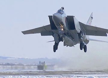 МиГ-31 с «Кинжалами» на борту