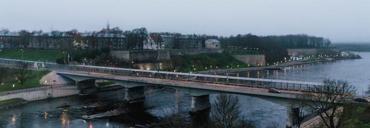 Мост через Нарву
