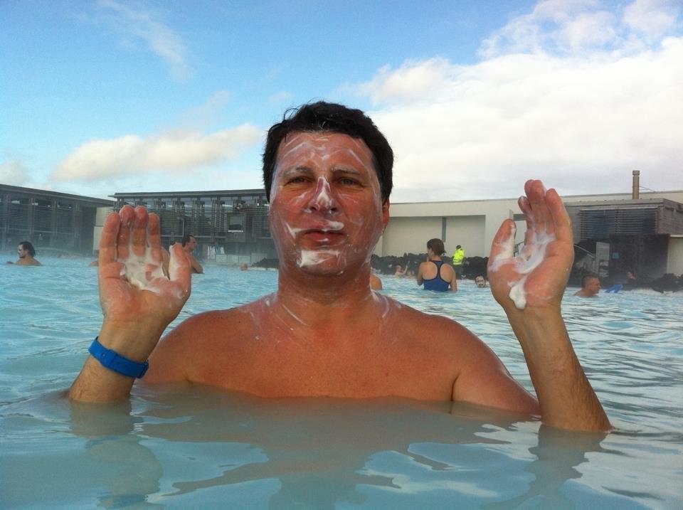 Президент Латвии в бассейне