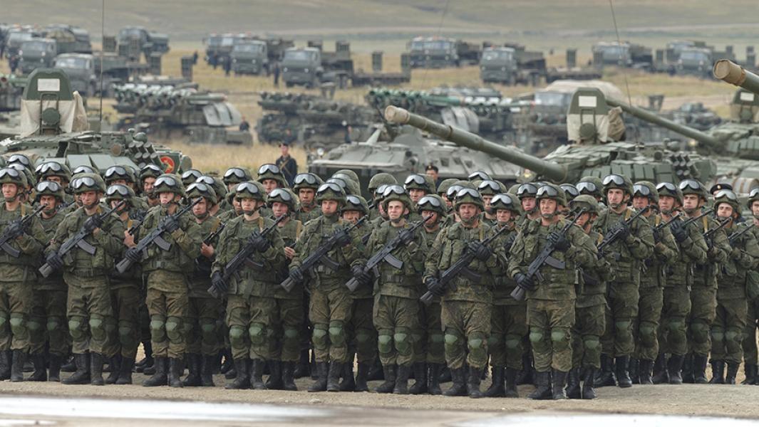 Строй российских солдат