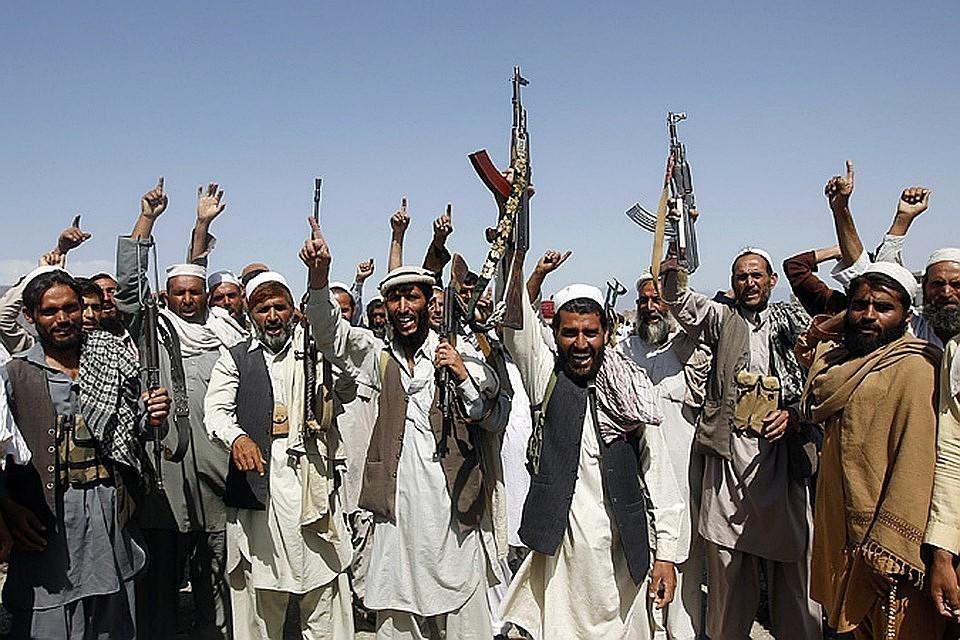 Талибы с автоматами