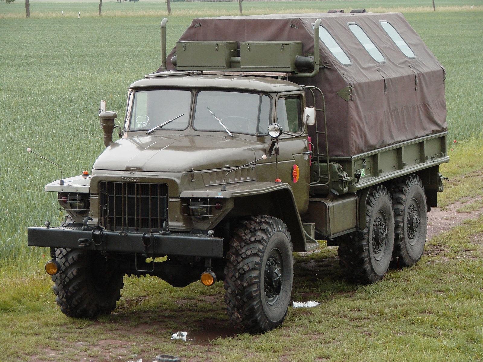 Вездеход Урал-375