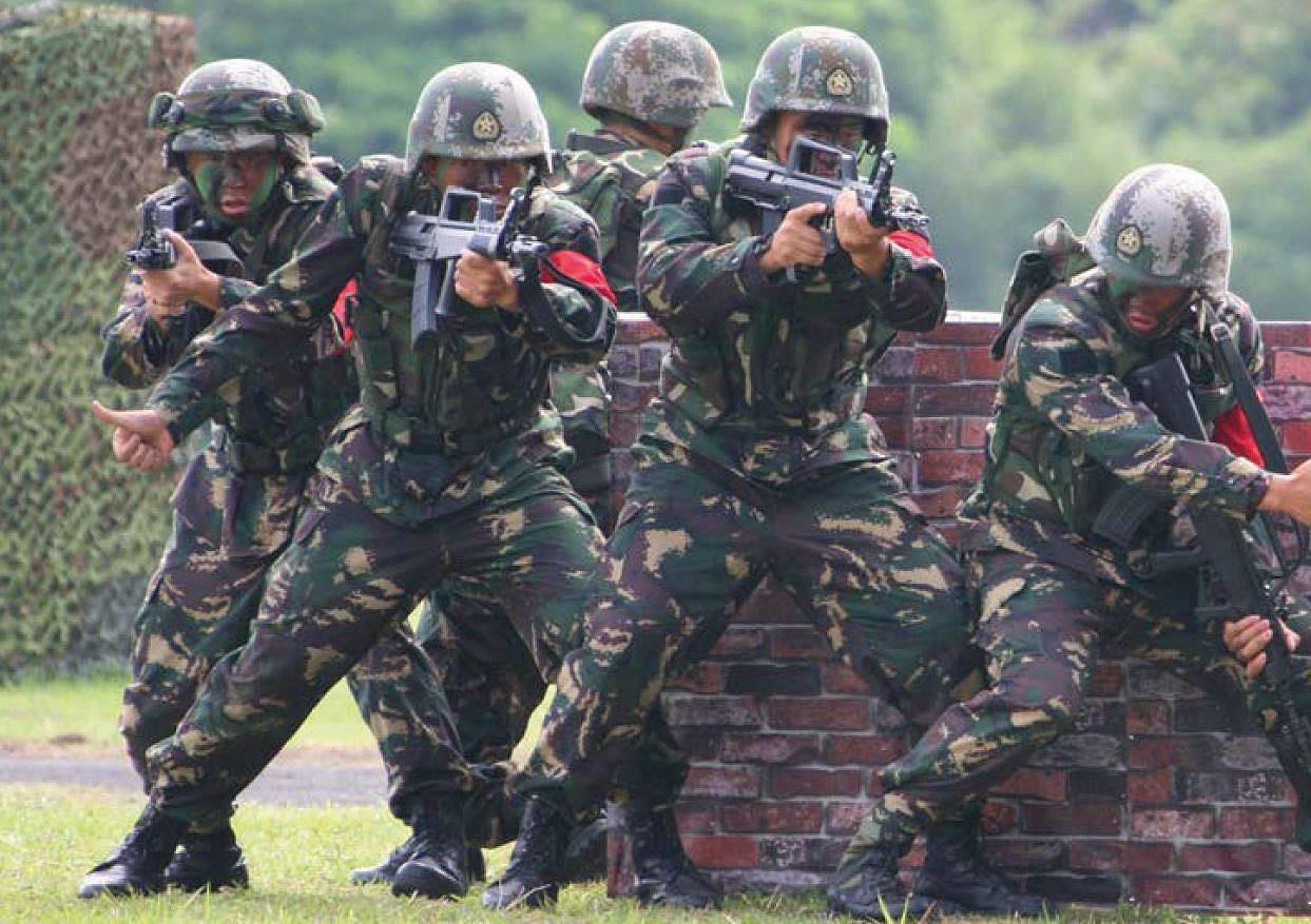 Занятия китайского спецназа