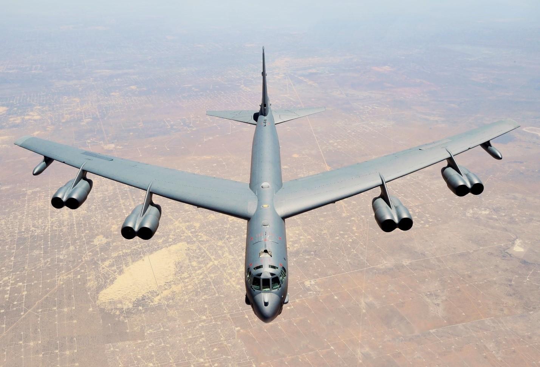 Американский бомбардировщик В-52