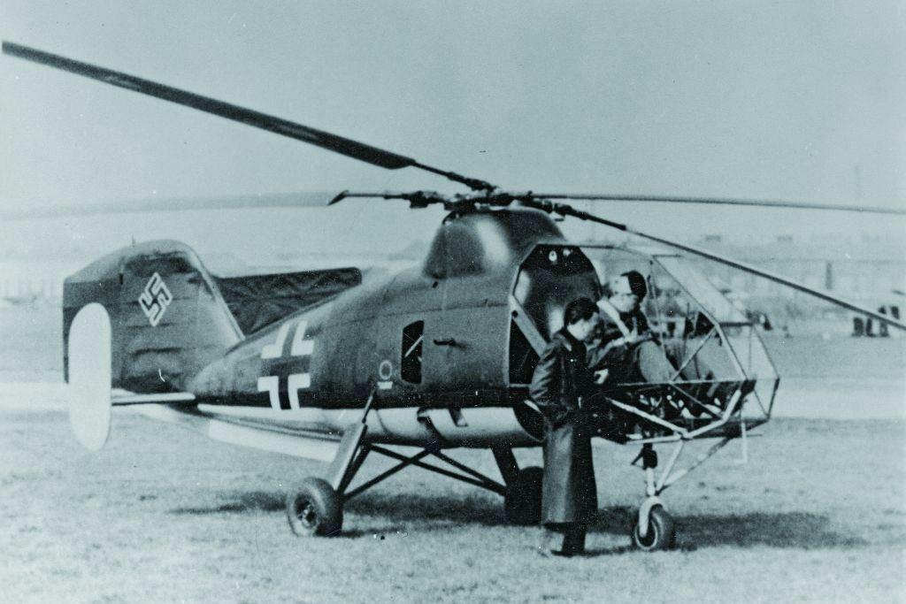 Черно-белое фото вертолета «Калибри»