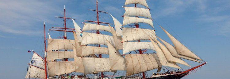 Четырехматчевый учебный корабль «Седов»