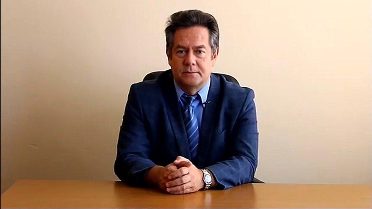 Николай Платошкин за столом