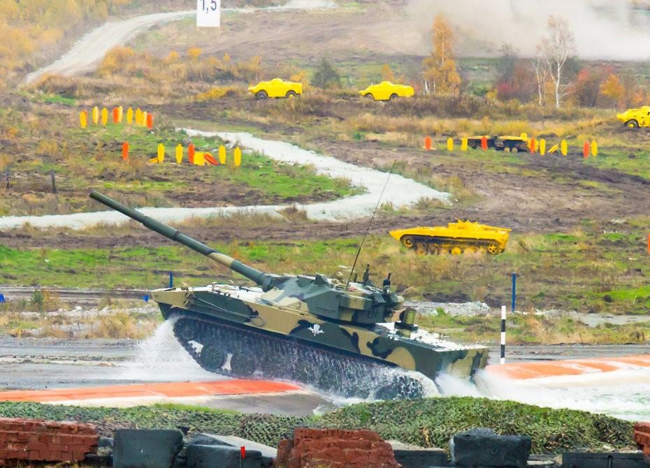 Российский плавающий танк