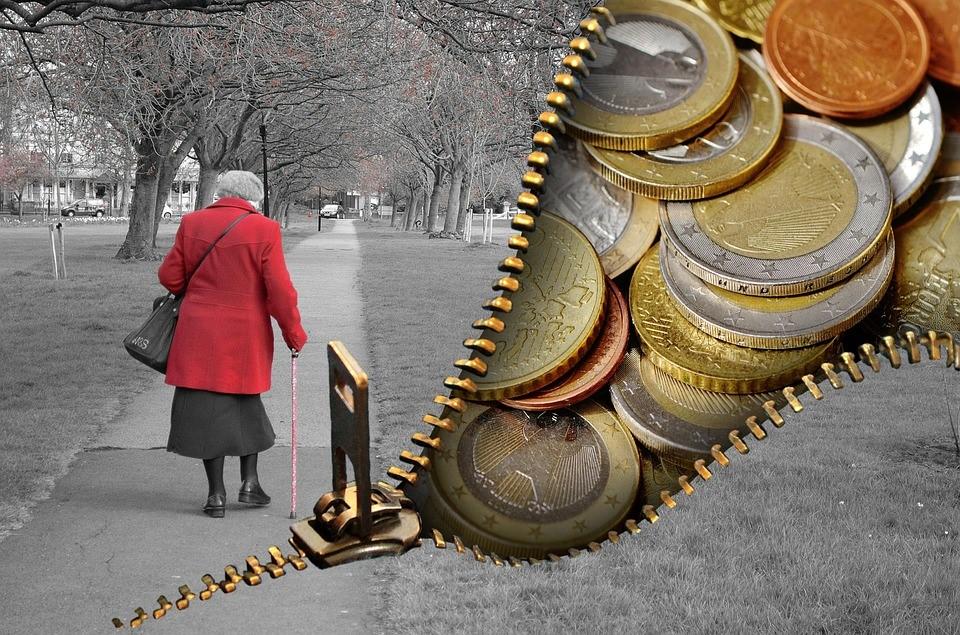 Закон лишит пенсионеров денег