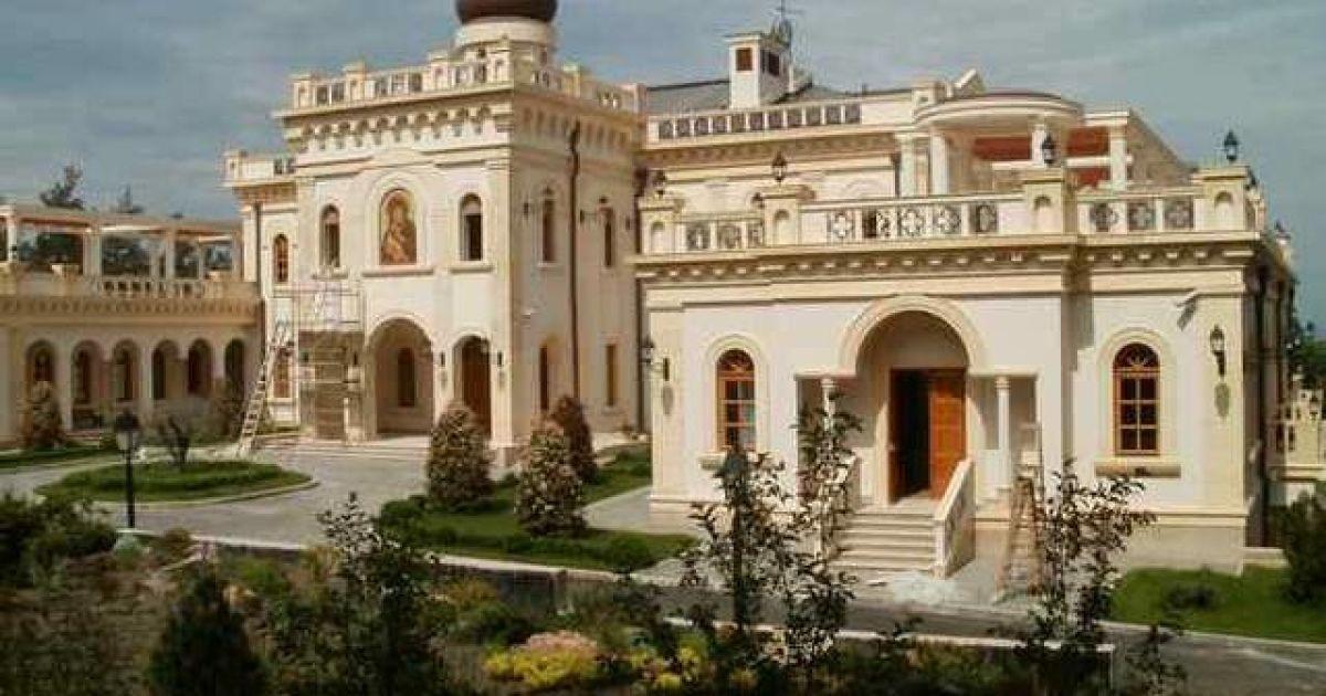 Богатый монастырь