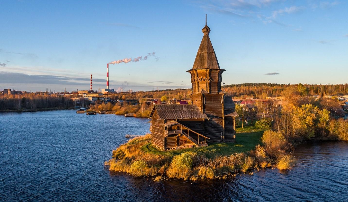 Деревянная церковь Успения в Карелии