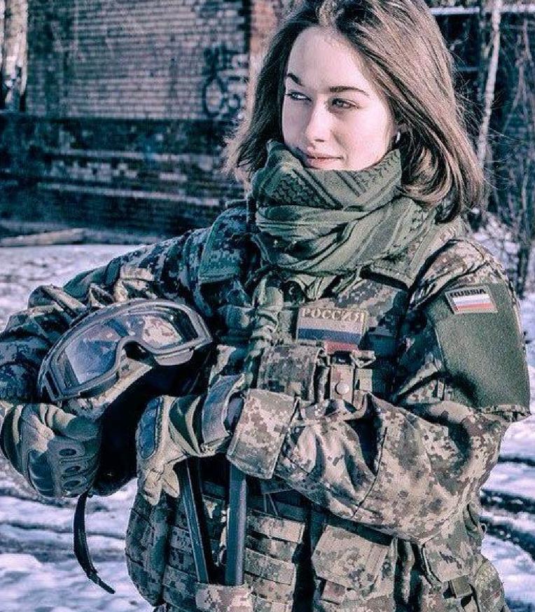 Красавицы российской армии