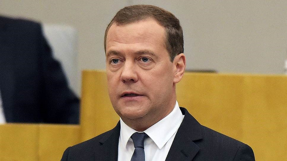 Премьер Медведев