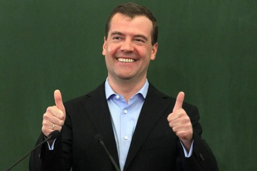 Радостный смех Медведева
