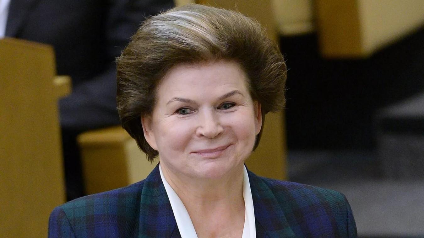 Улыбающаяся Валентина Терешкова