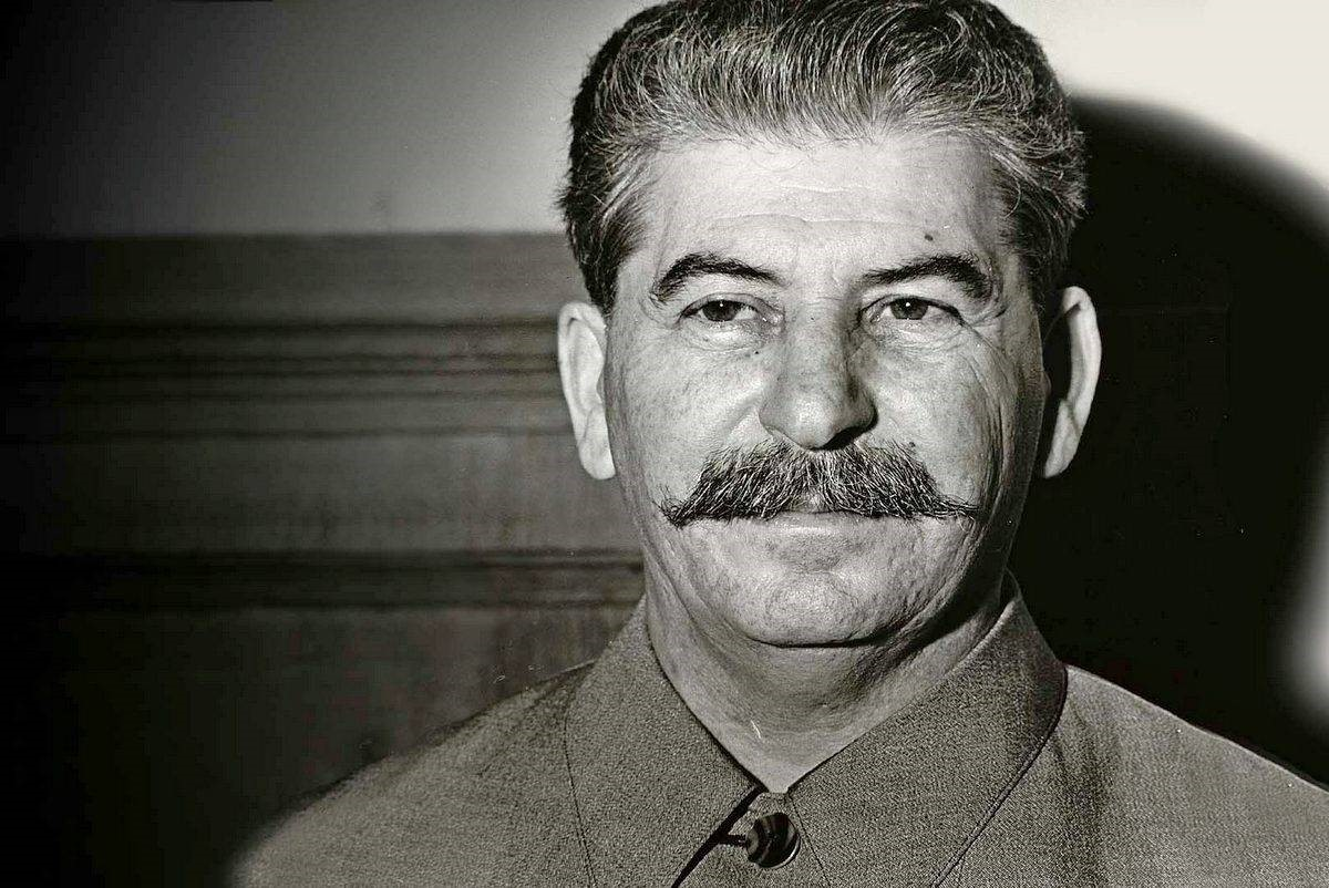 Улыбающийся Сталин