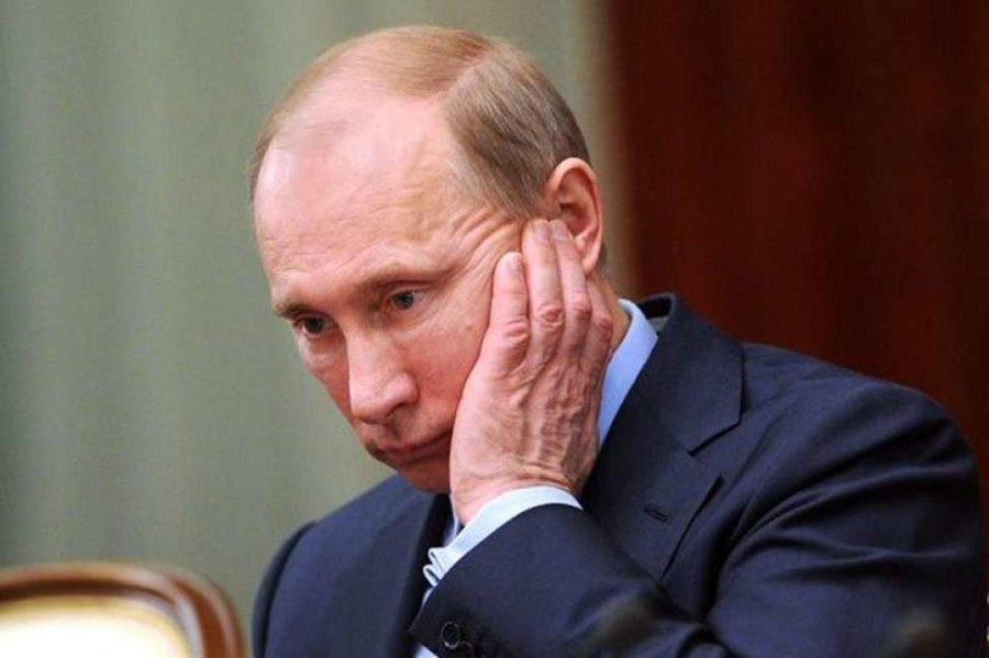 Задумчивый и расстроенный Путин