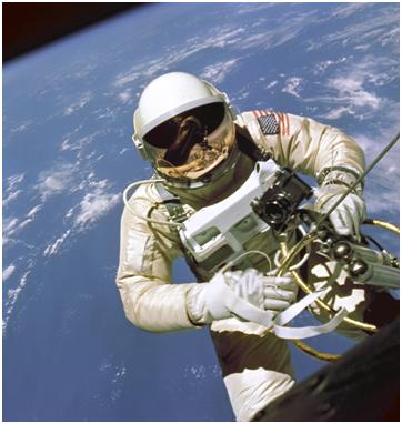 леонов выход в открытый космос