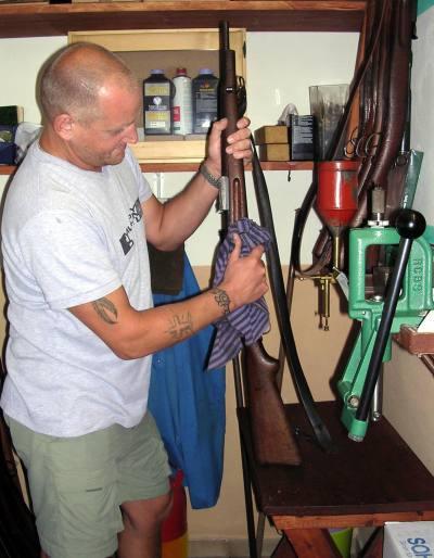 чистка оружия после стрельбы гладкоствольное