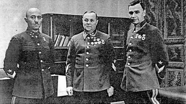генерал павлов командующий западным
