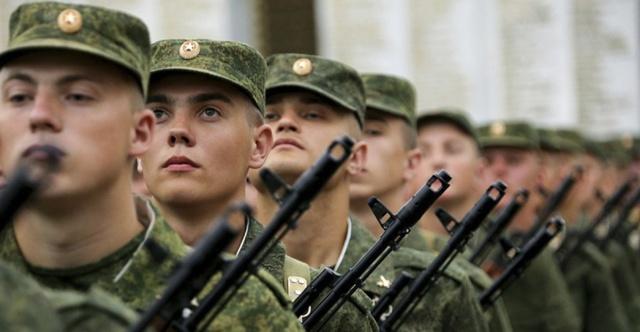 сколько служат по контракту в армии
