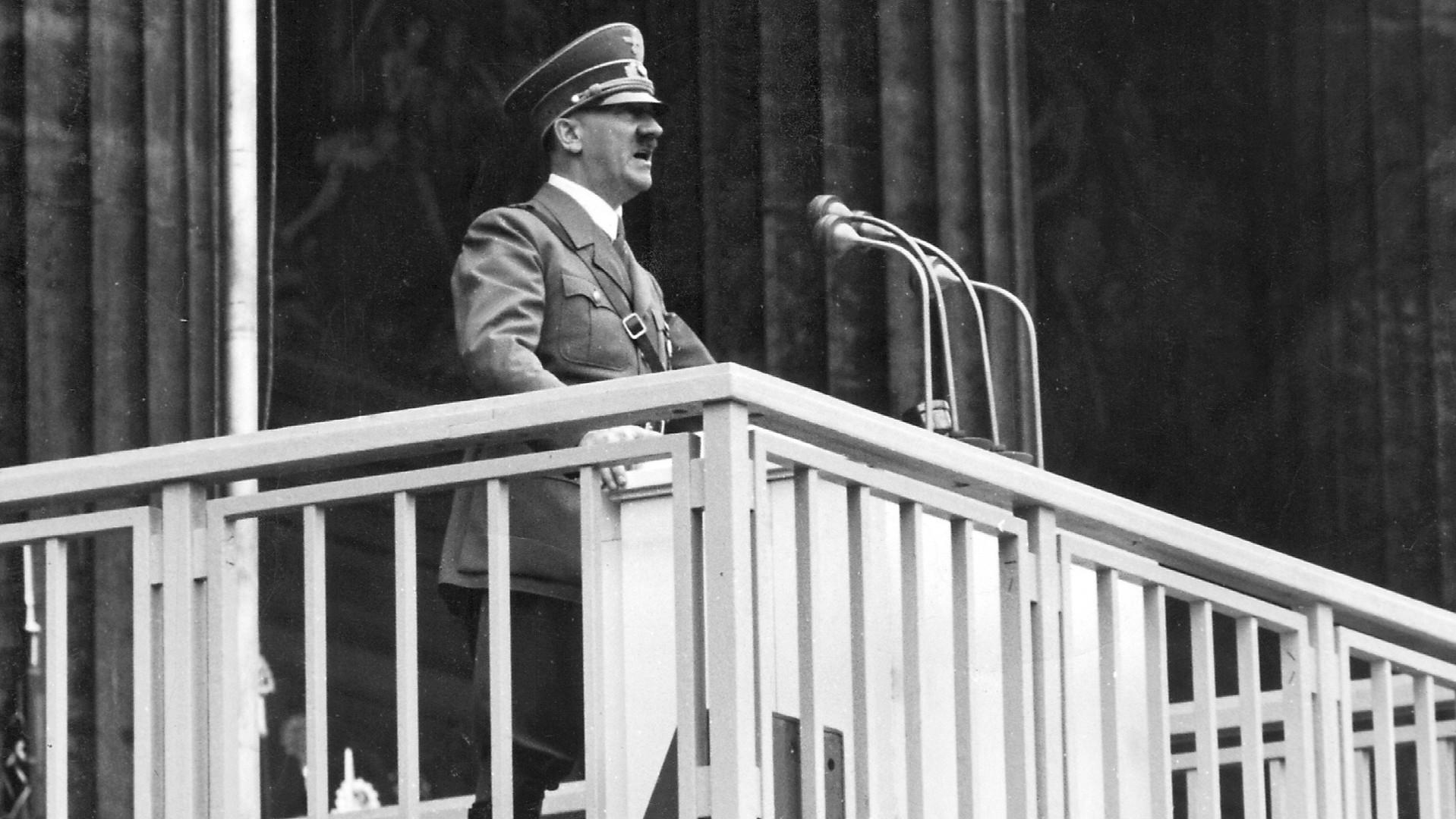 а гитлер стал главой немецкого правительства в