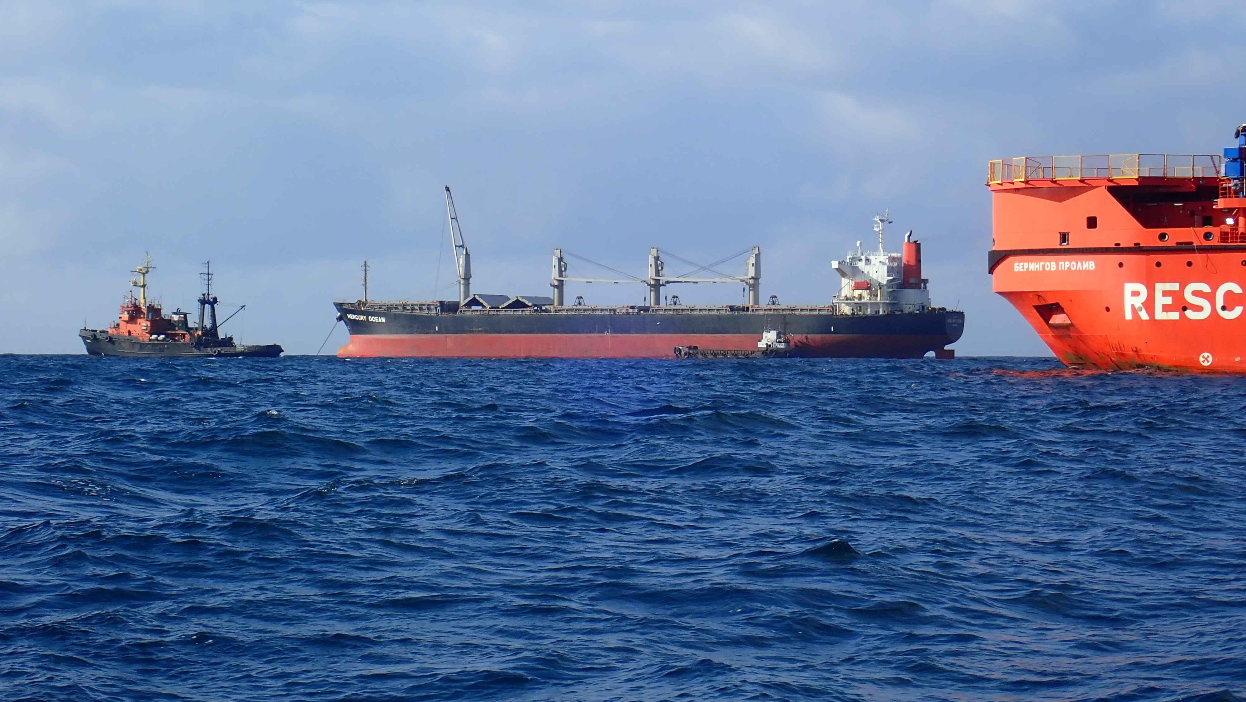 какие два мореплавателя впервые открыли берингов пролив