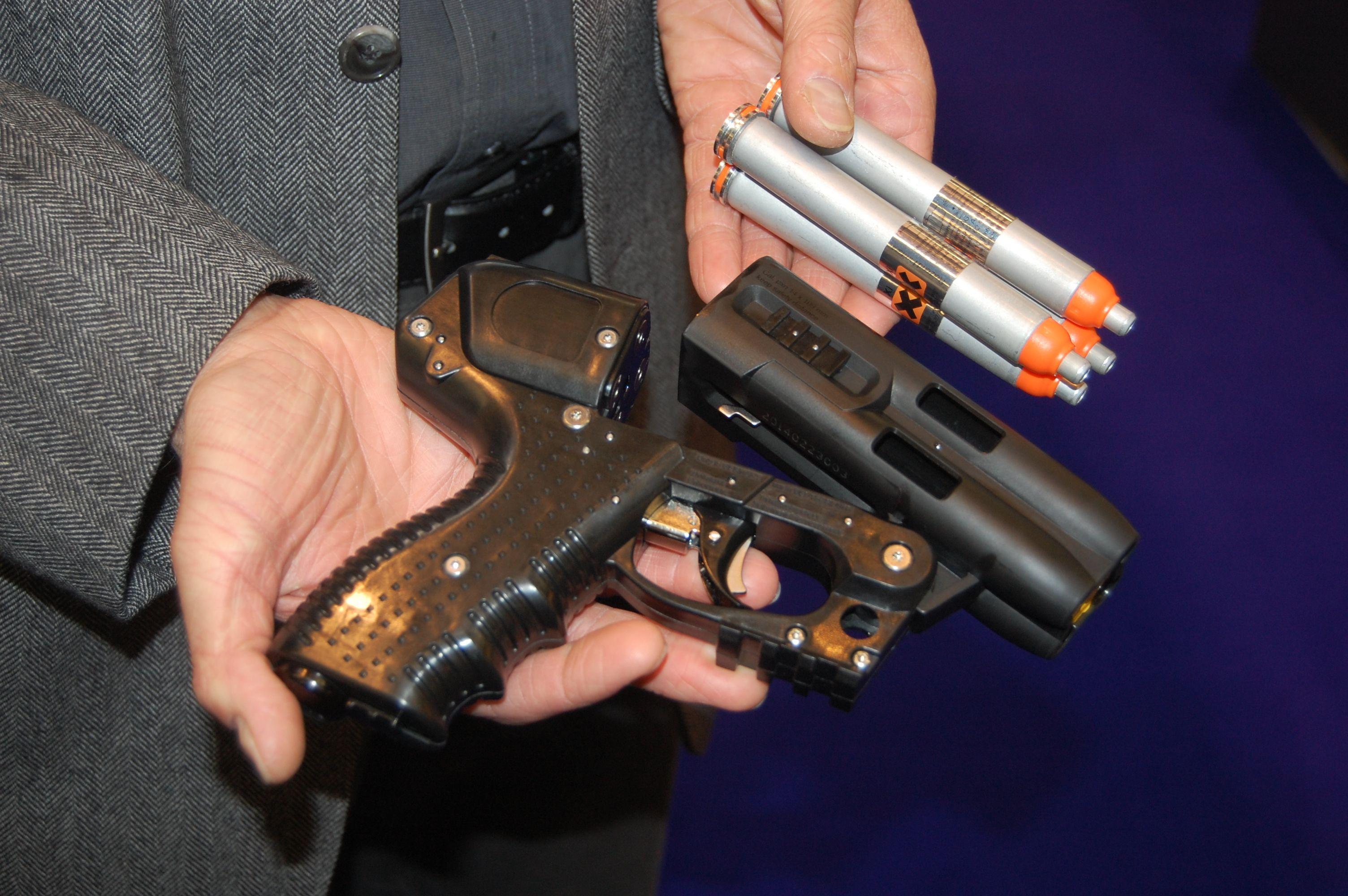 пистолет с перцовыми патронами