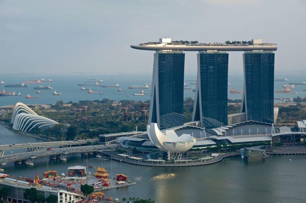 почему сингапур стал богатой страной