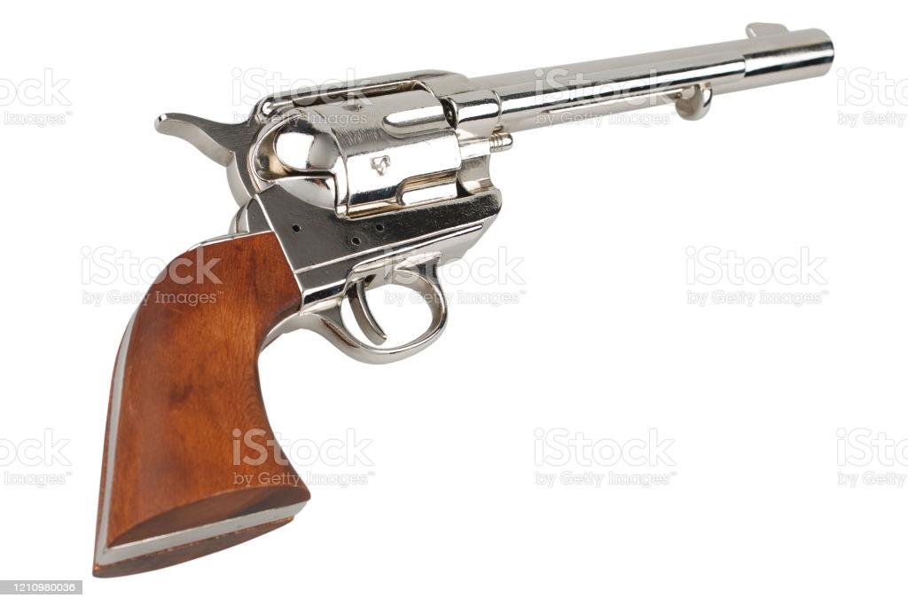 револьвер кольт миротворец
