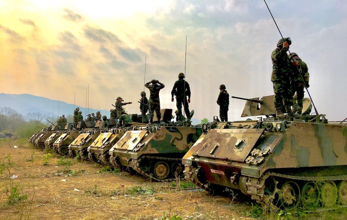 минусы армии