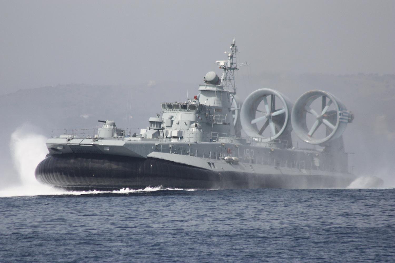десантный корабль зубр