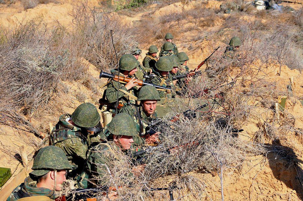 кому подчиняются виды вооруженных сил российской федерации