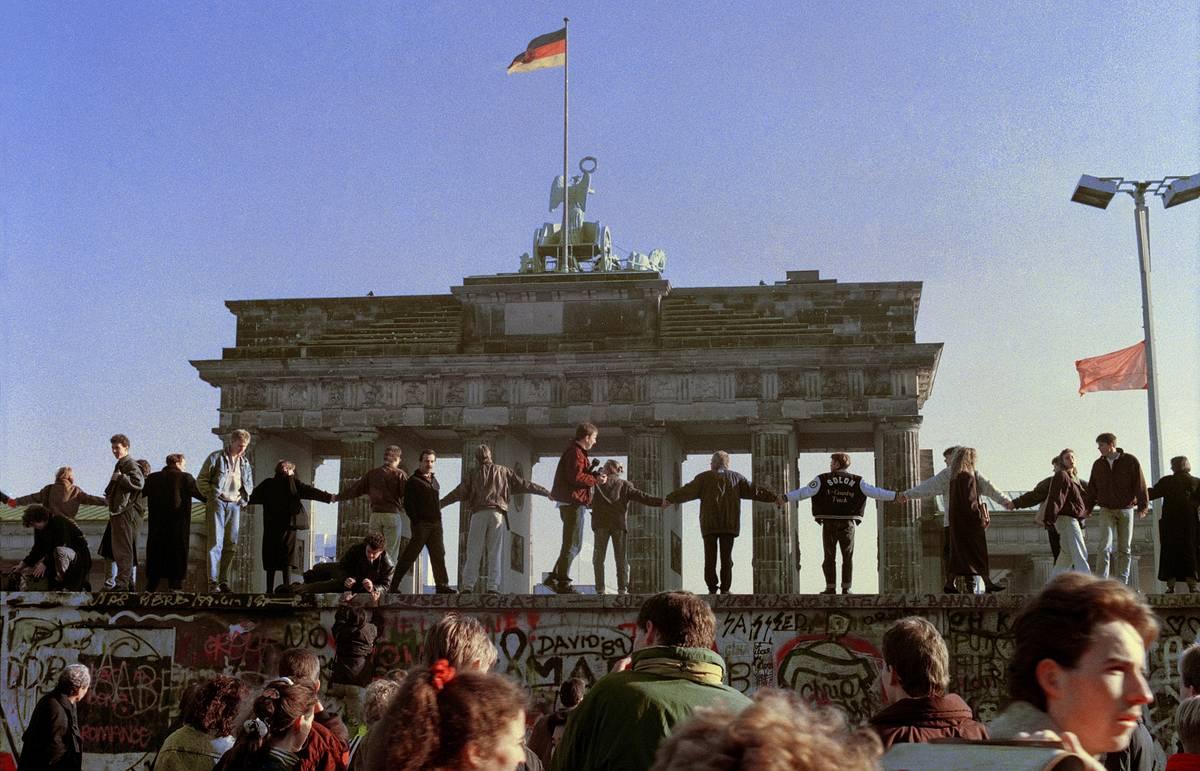 падение германской стены