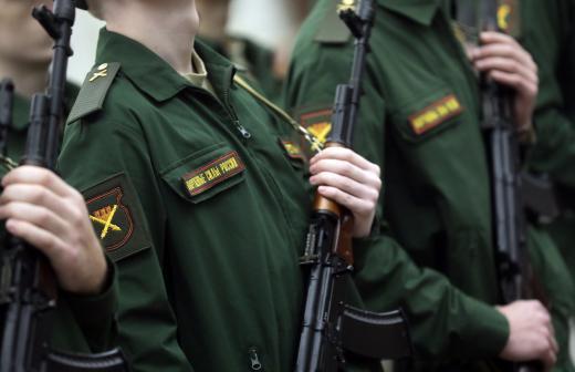 сколько россия тратит на оборону